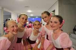 Lena-Pauline-Nele-Sophie-Lilly-Jane-und-Evelyn---6-Platz-und-bestes-deutsches-Team-der-Kategorie