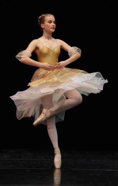 Pauline-Rumpf---Paquita-Variation---7Platz-Deutscher-Ballettwettbewerb-FFB
